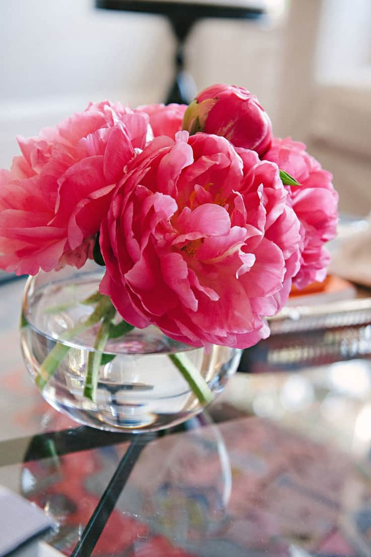 bold colored flowers Fun DéCor Ways to Bring Good Luck to Your Home