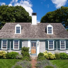 cape cod colonial style home