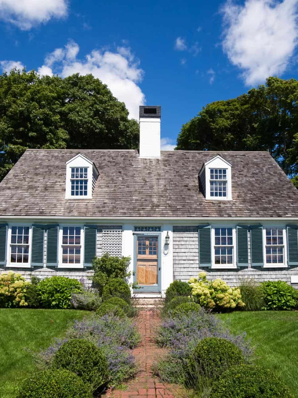 These 15 Colonial Style Homes Will Have You Feeling Warm
