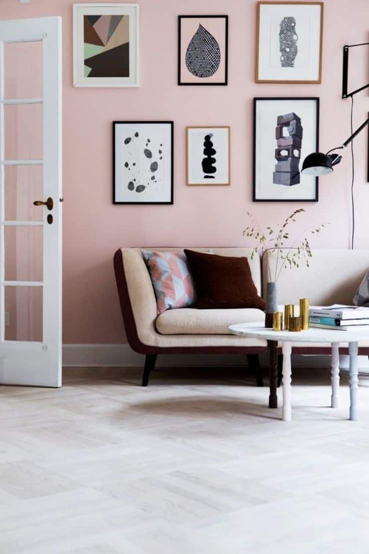Combining different shades of pink together does not have to come in a drastic contrast.