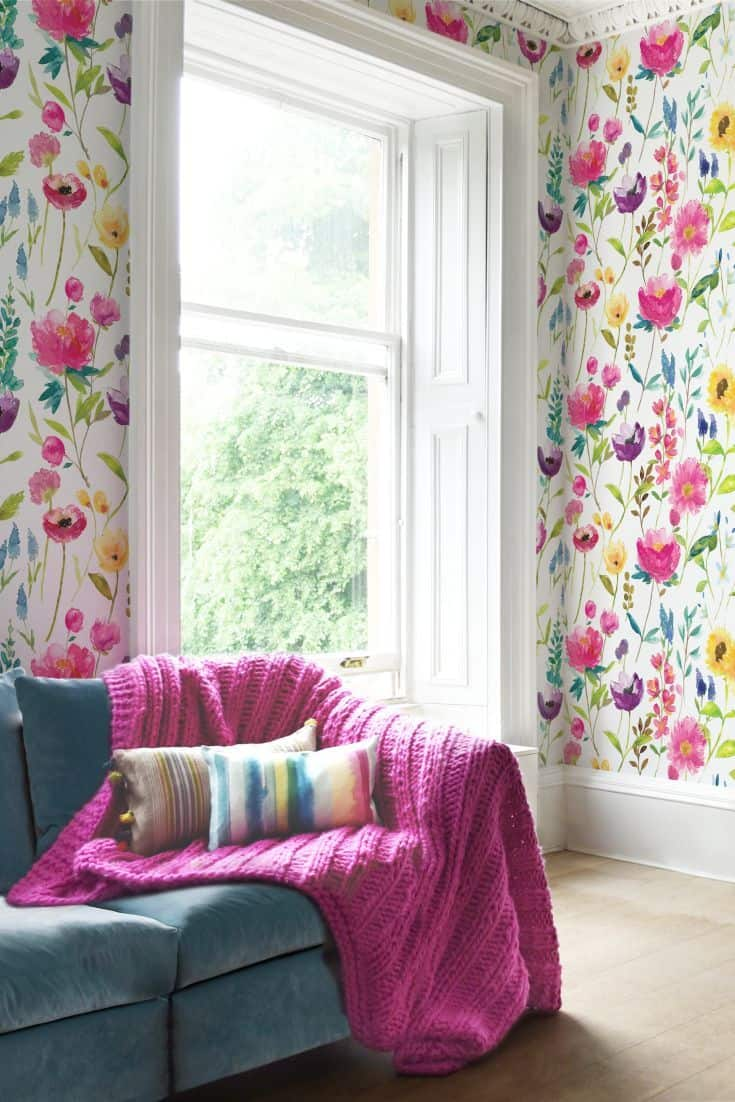 floral print wallapper 2 10 Ways to Add a Floral Flair to Your Home