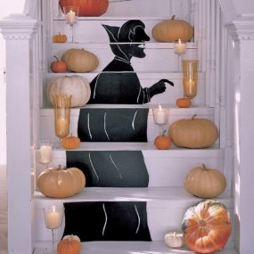 holiday cheer 285x285 10 Creative Ways to Upgrade Your Staircase