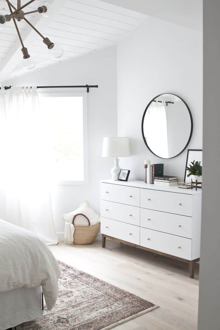 40 Simple and Chic Minimalist Bedrooms on Minimalist Bedroom Ideas  id=59865