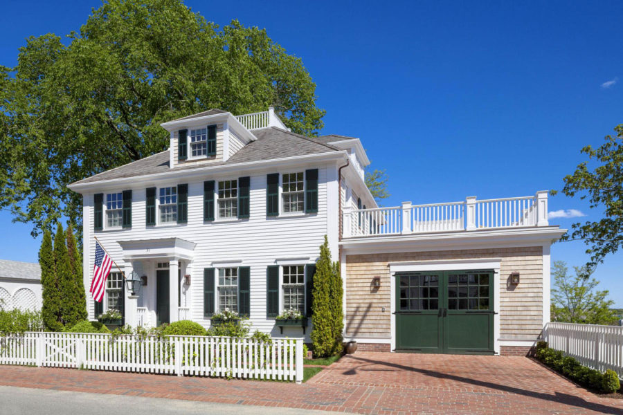 These 15 colonial style homes will have you feeling warm for New england colonial style