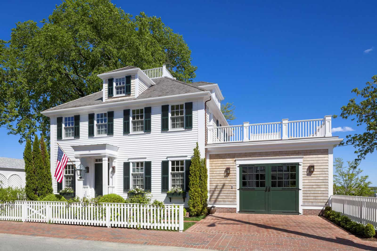 new england colonial style home