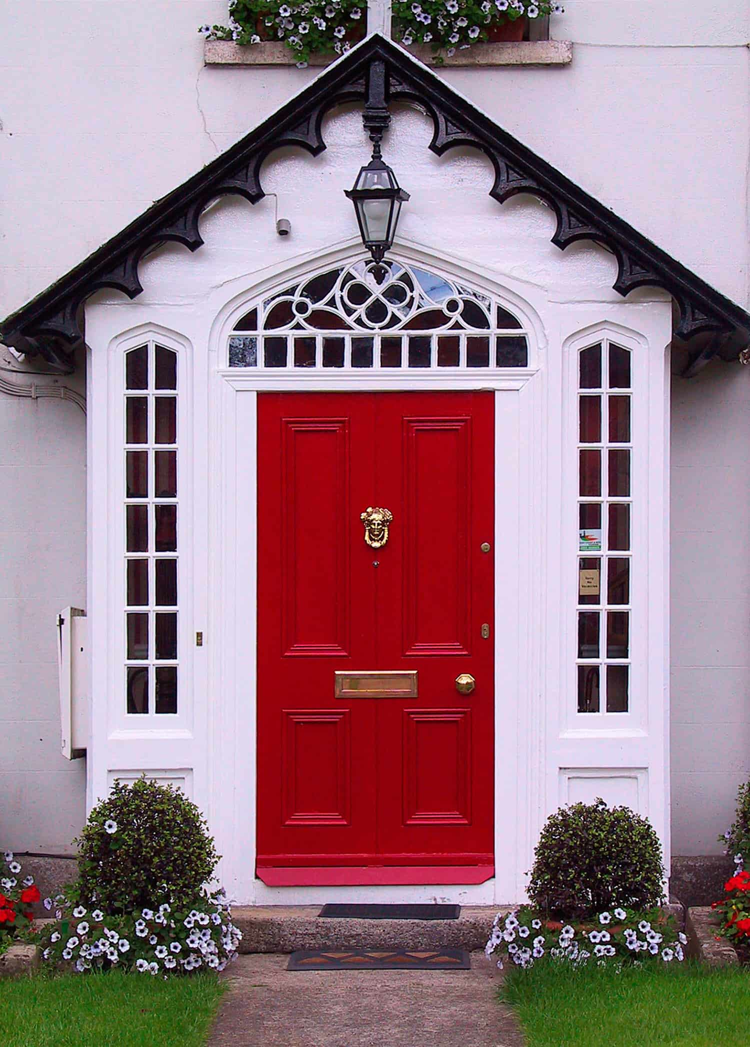 red door Fun DéCor Ways to Bring Good Luck to Your Home