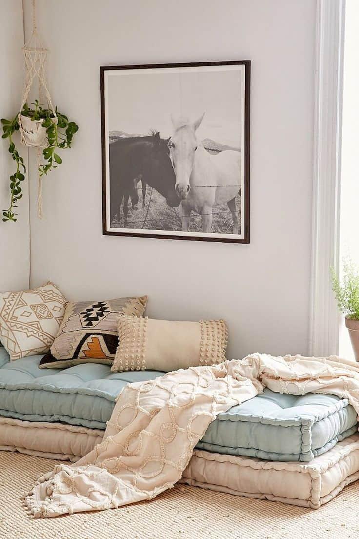 simple minimal guestroom idea