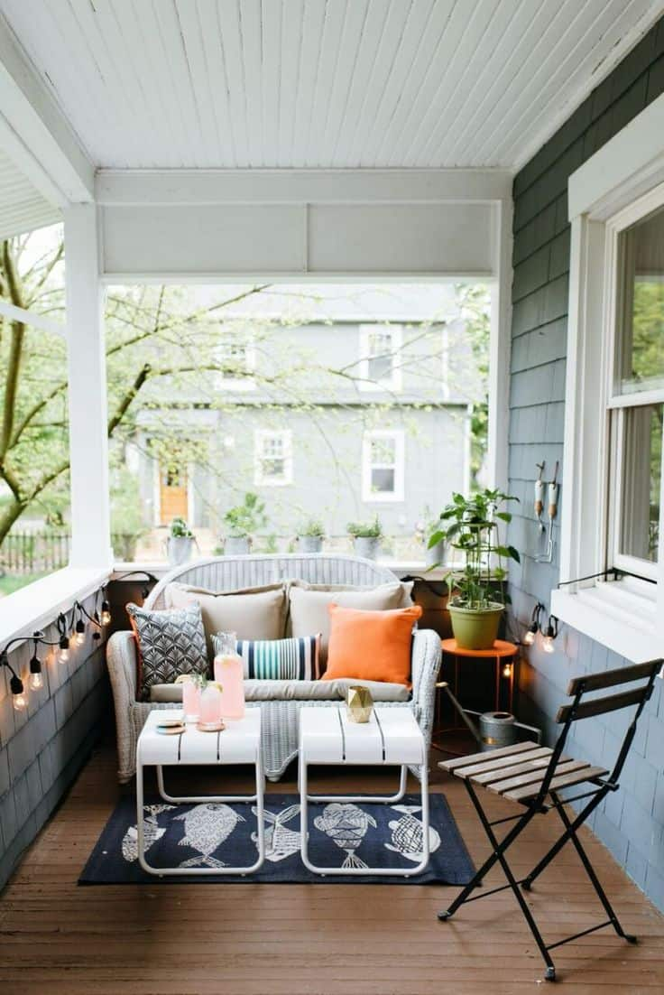 Porch and patio idea you 39 ll want to steal this fall for Outdoor furniture for small front porch