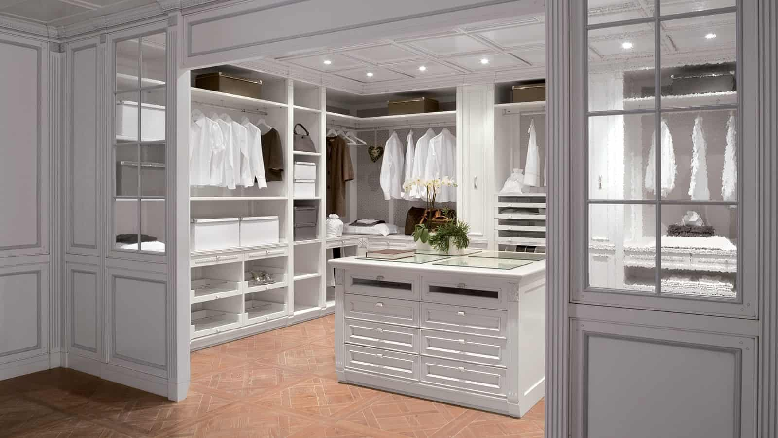 Walk in Closet DéCor Options You Should Consider