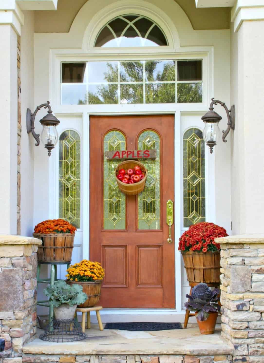 apples 2 10 Fall Door DéCor Options That Arent Wreaths