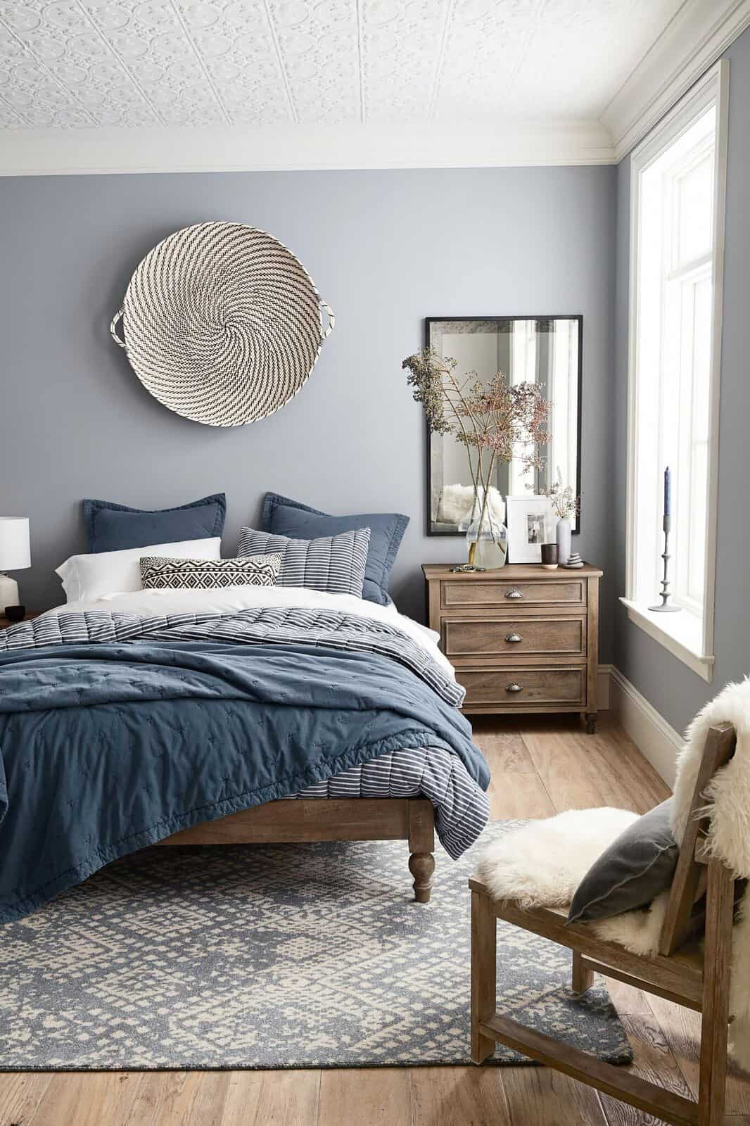 Guest Bedroom Color Palettes That Will Make Your Guests Feel At Home