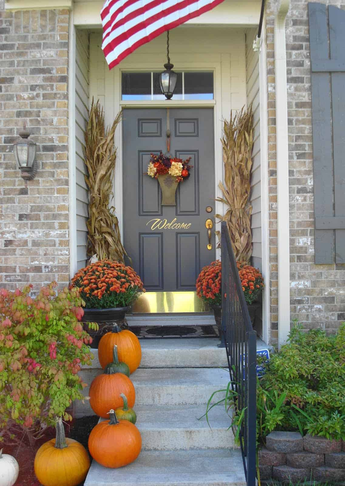 View In Gallery Welcome Basket 2 10 Fall Door DéCor Options That Arent  Wreaths