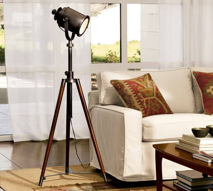 Photographer-tripod-lamp