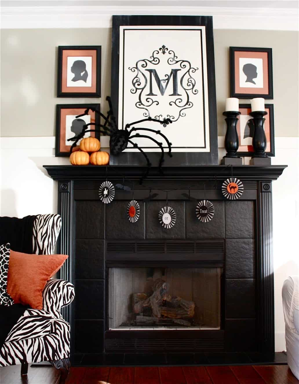 A black fireplace adds the touch of edginess that you may want to have in the living room