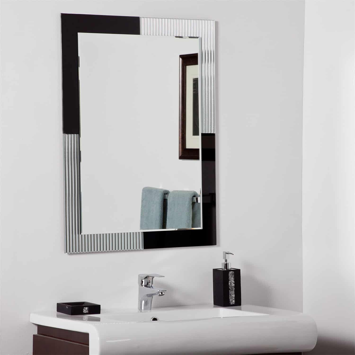decor-wonderland-bathroom mirror