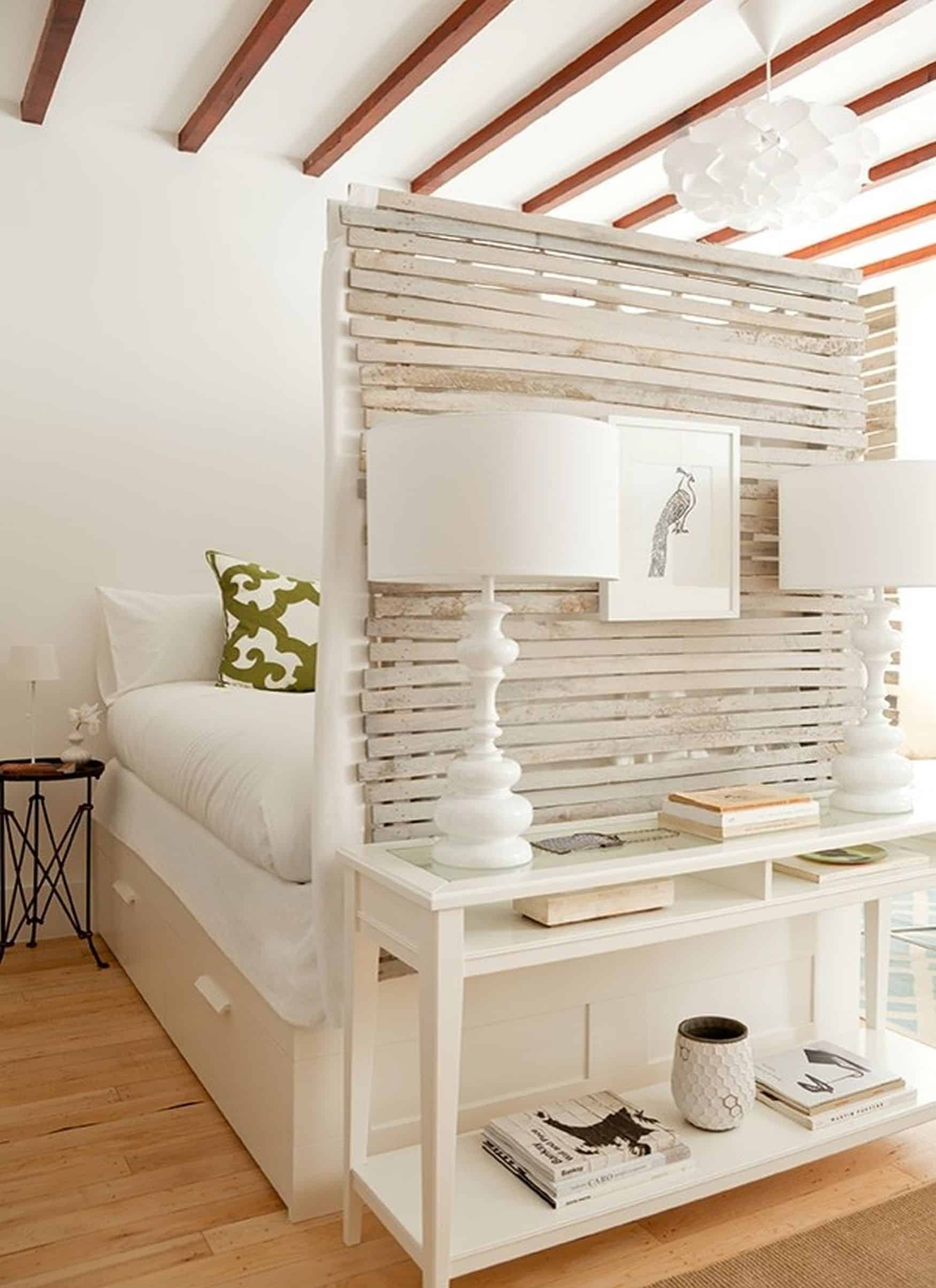 end of bed slat wall