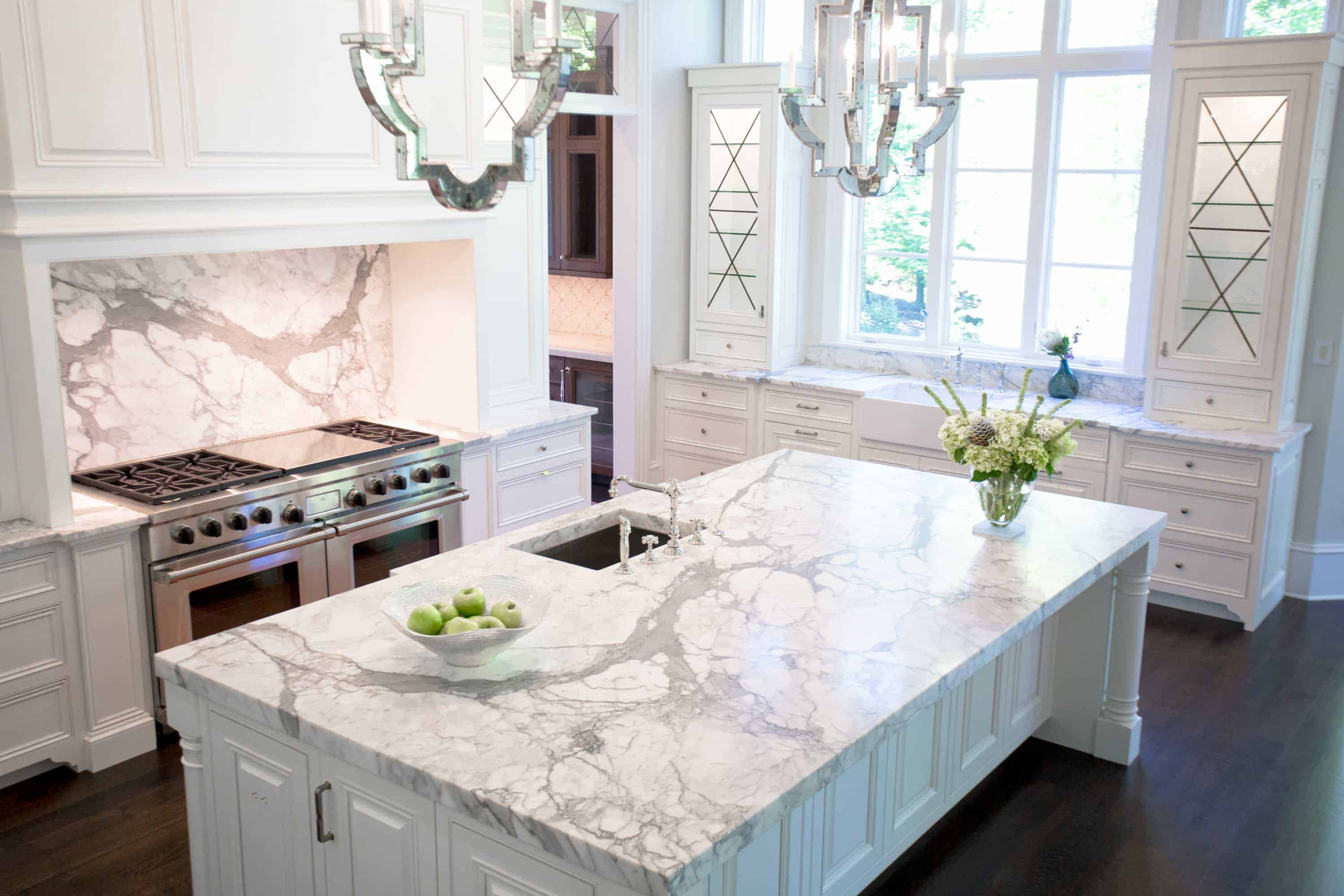 marble ktichen 2 Luxury Kitchen Designs That Feature Waterworks
