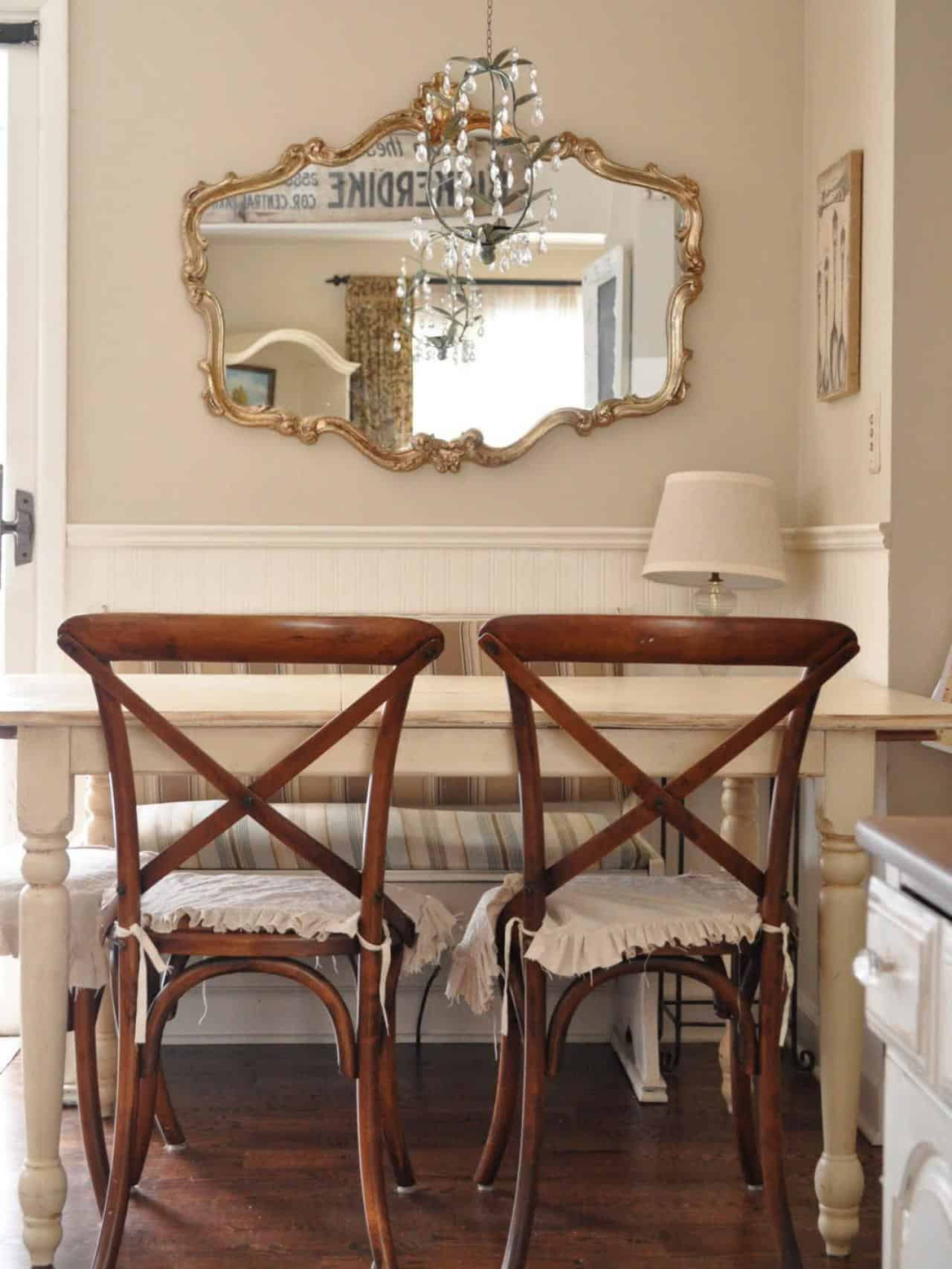 An awkward corner can be an excellent breakfast nook when it is done correctly