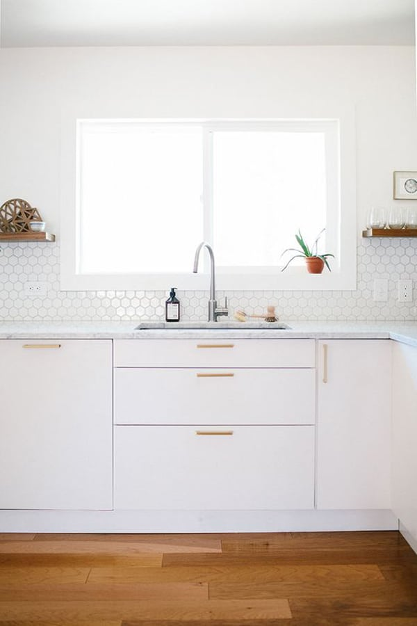white and gold kitchen cabinets
