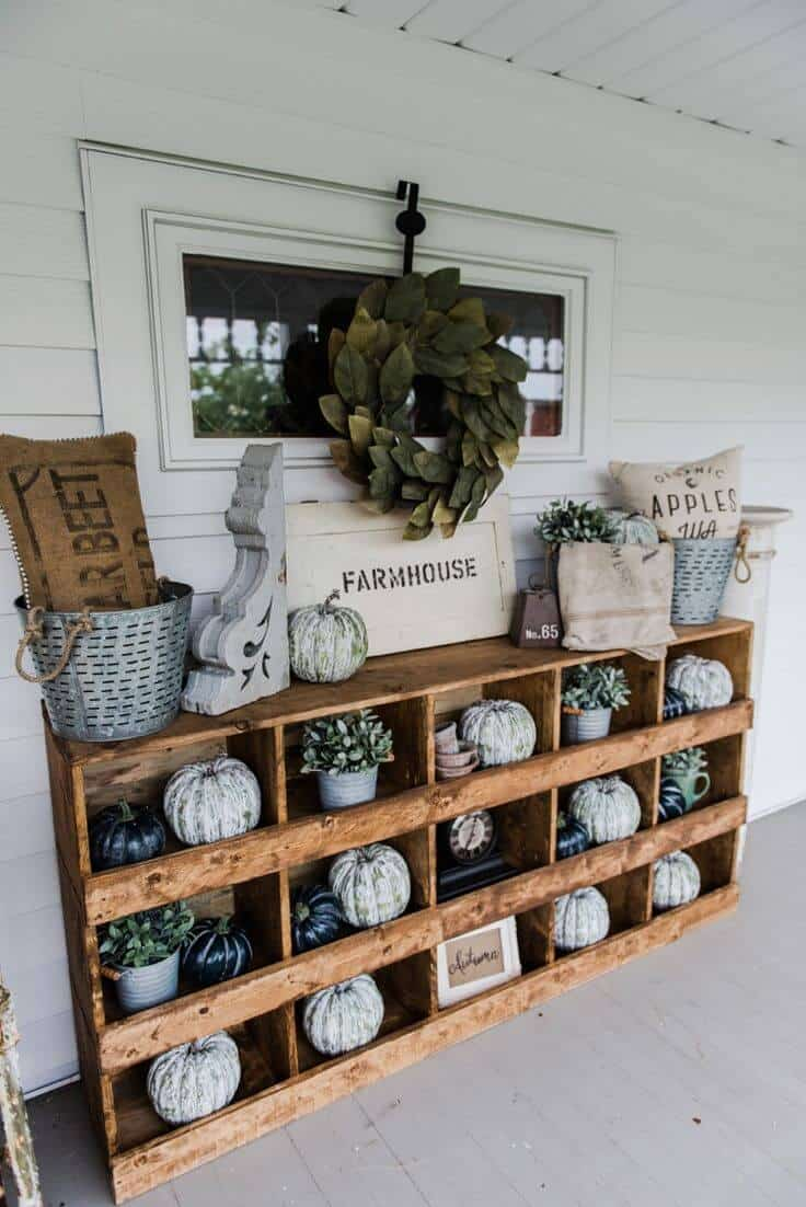 Your farmhouse decor does not need to remain on the inside of your home