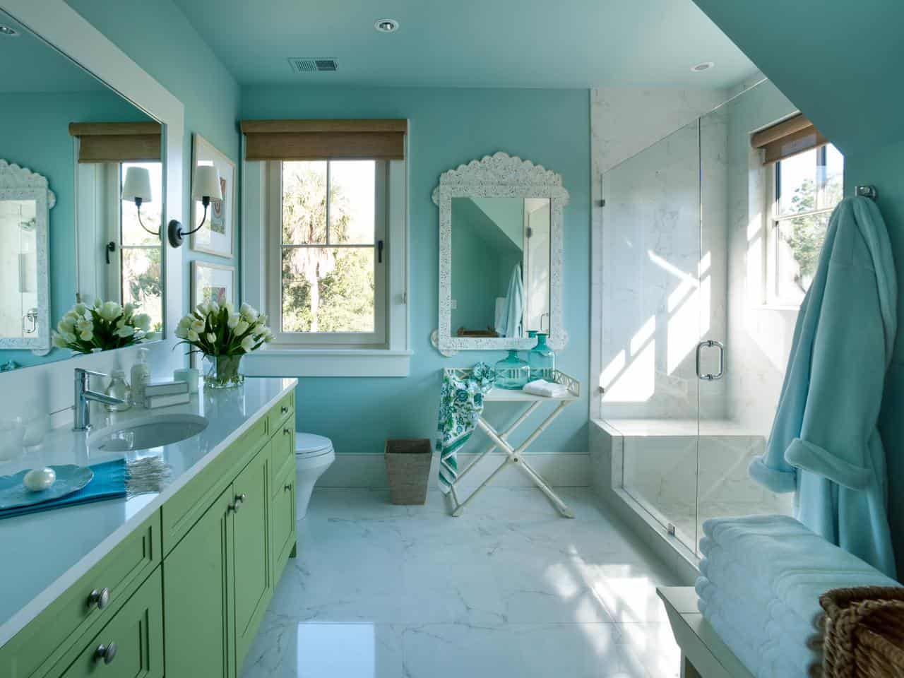 Working with a shade like bluish green is great when you want a metamorphic color