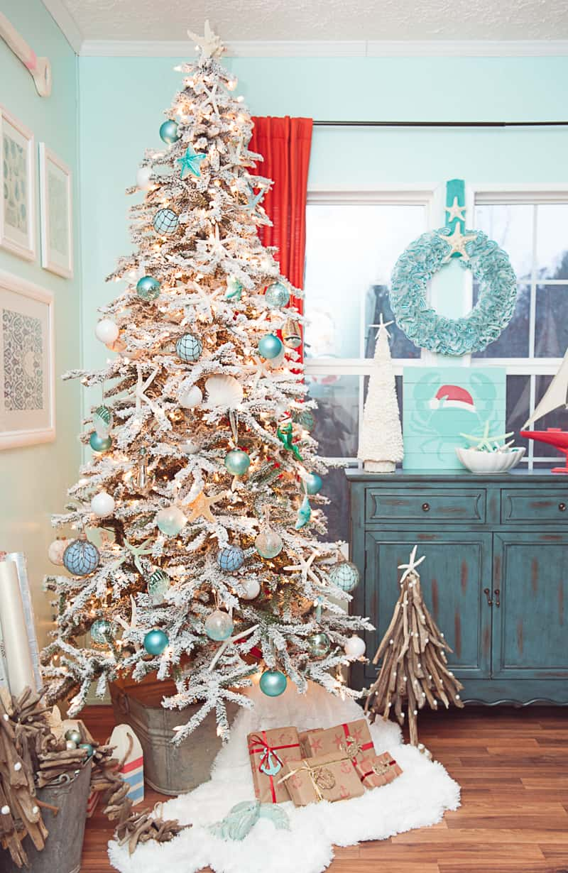 coastal christmas tree Stylish New Ways to Decorate Your Christmas Tree