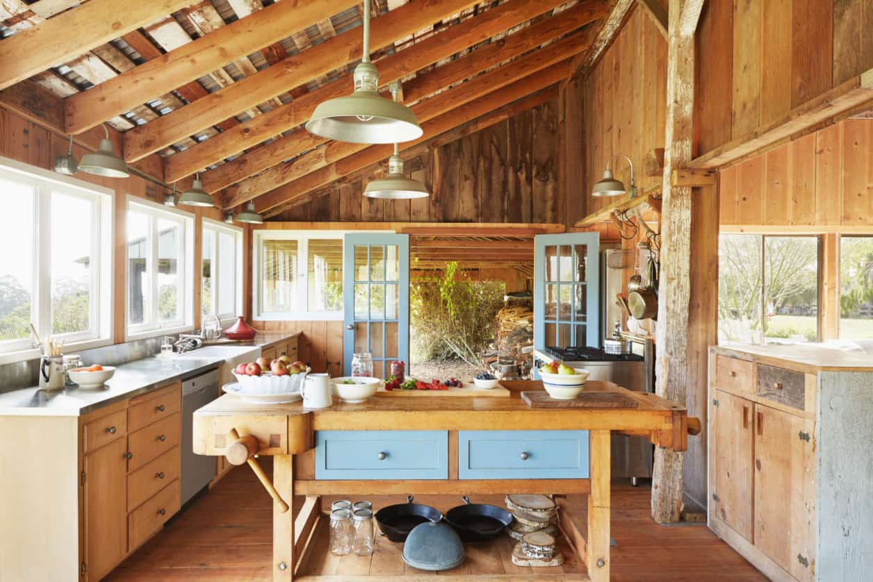 Barn House DeCor You Need In Your Home