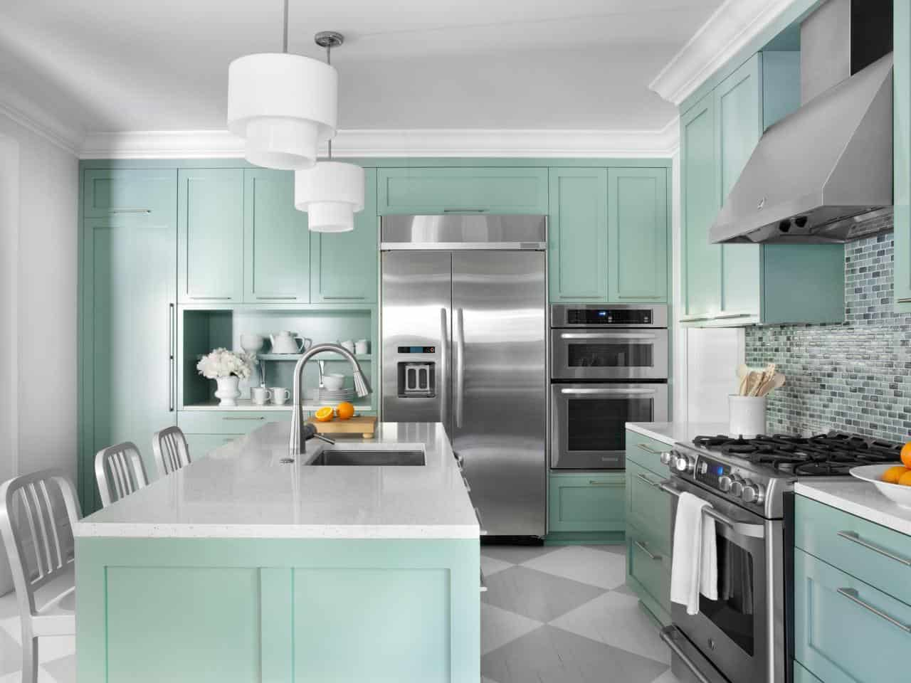 Mint green is great as a kitchen color because of how rich yet subtle and simple it is.