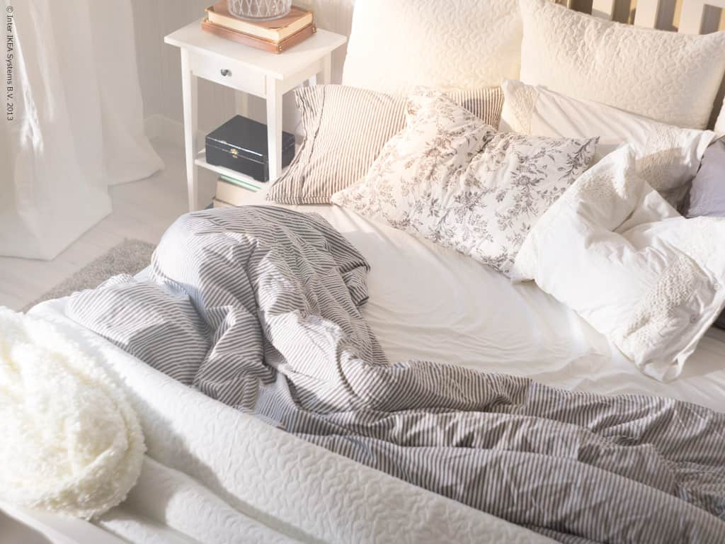 From the patterned blanket to the pattern on the pillow cases, and even the rug.