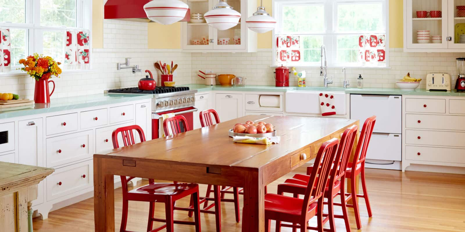 What is more classic than red and white together