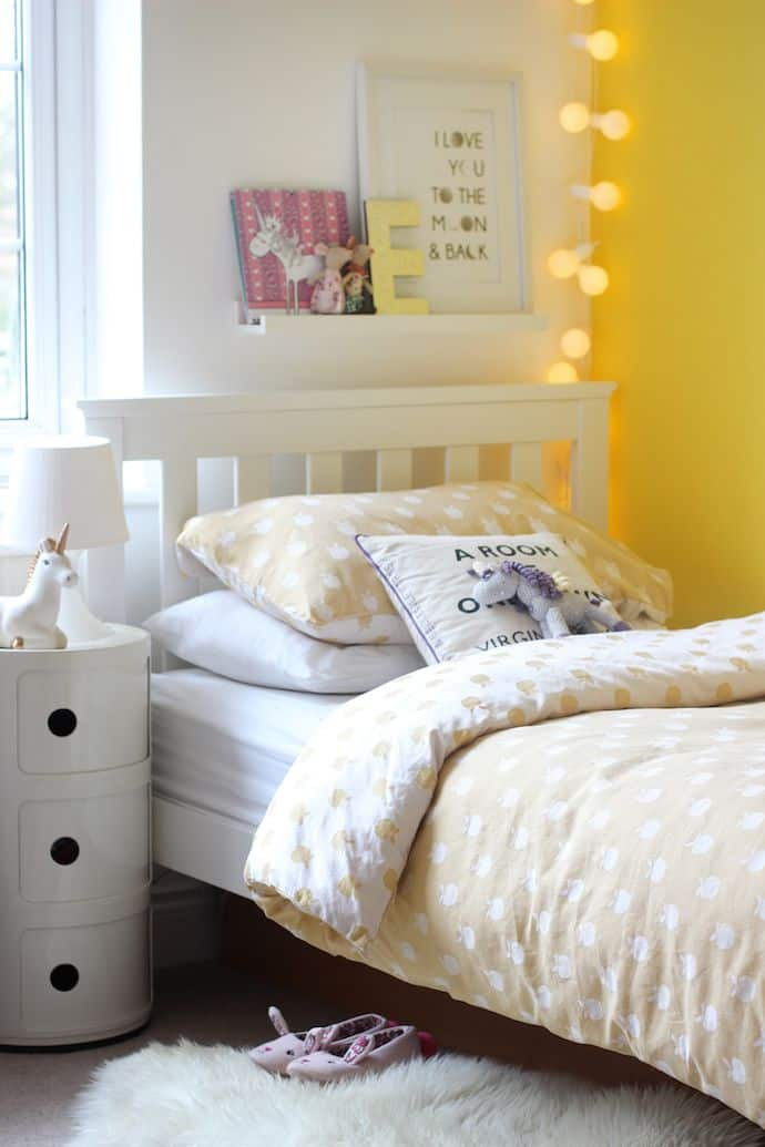 young girls yellow bedroom 15 Happy, Yellow Bedrooms That Will Inspire You