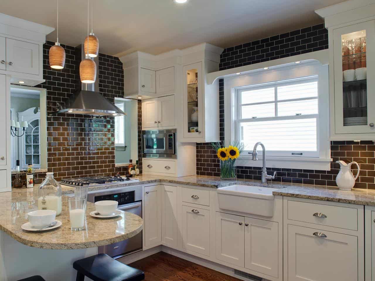 The shine that comes off of the glossy black tiles adds a richness to the bold hue.