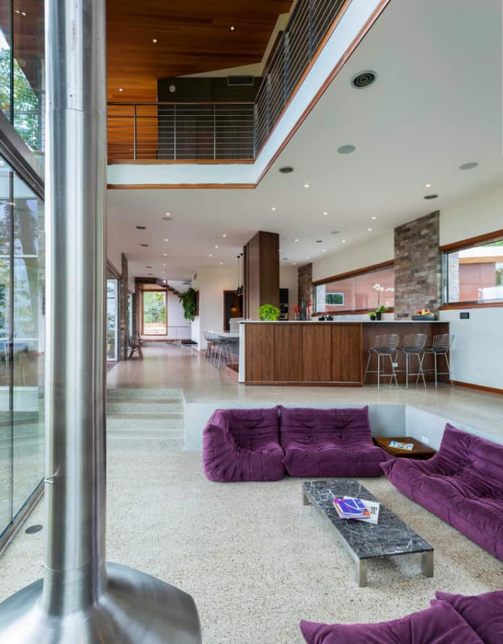 Conversation-Pit-With-Purple-Sofa