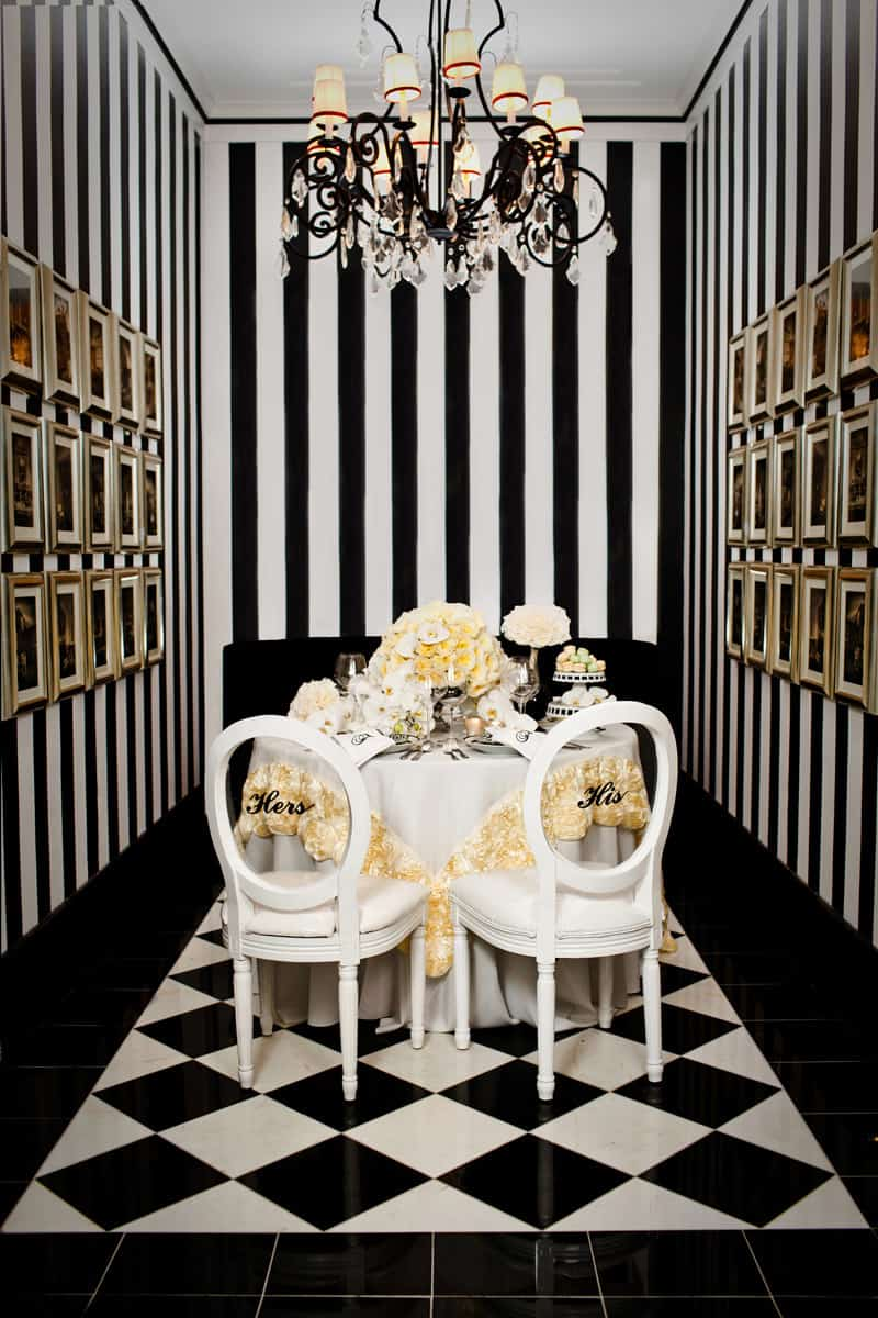black and white bold wallpaper 11 Breathtaking Dining Room Wallpapers