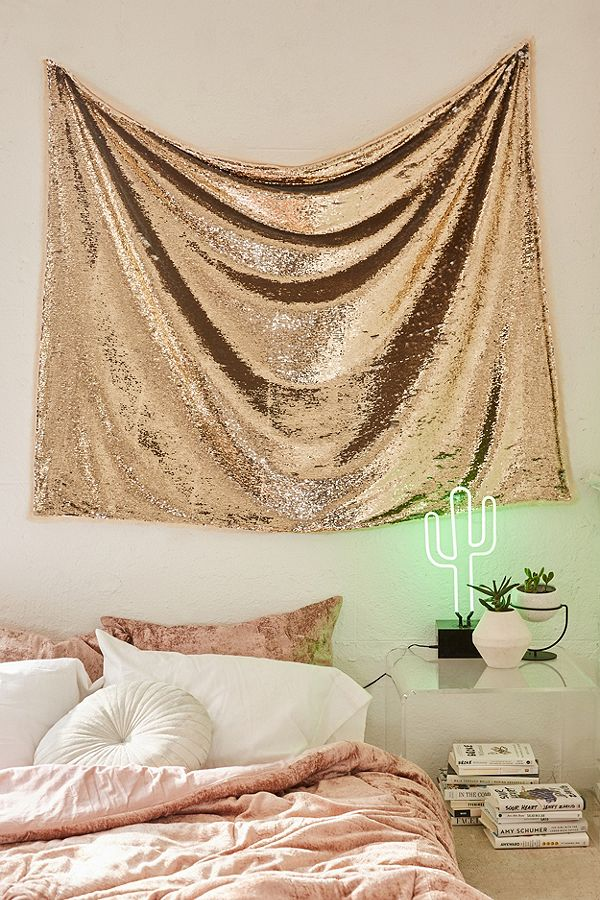 glitter wall tapestry 15 Glitter Accents Perfect For Jazzing Up The House