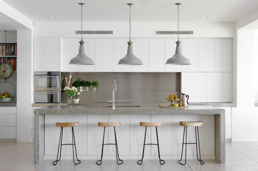 grey and white contemporary kitchen 900x596 These 15 Grey and White Kitchens Will Have You Swooning