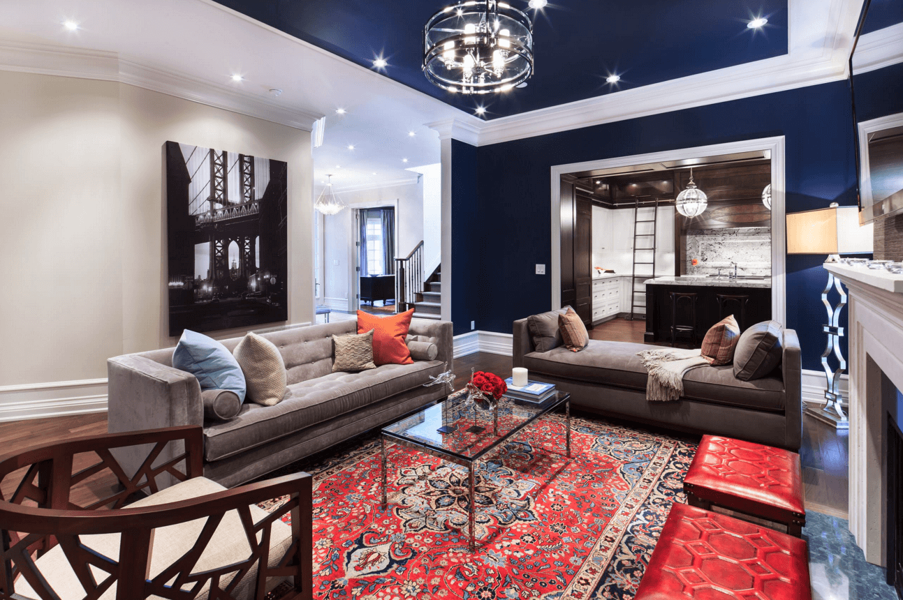 A bold ceiling is elegant, due to it being chic and elegant.