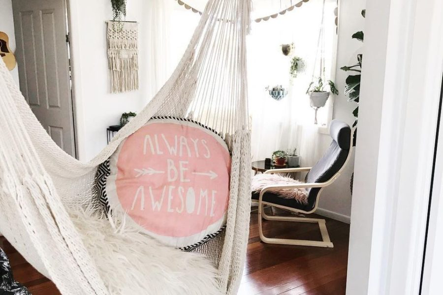 15 Indoor Hammocks That Will Ignite Everyone\'s Relaxation