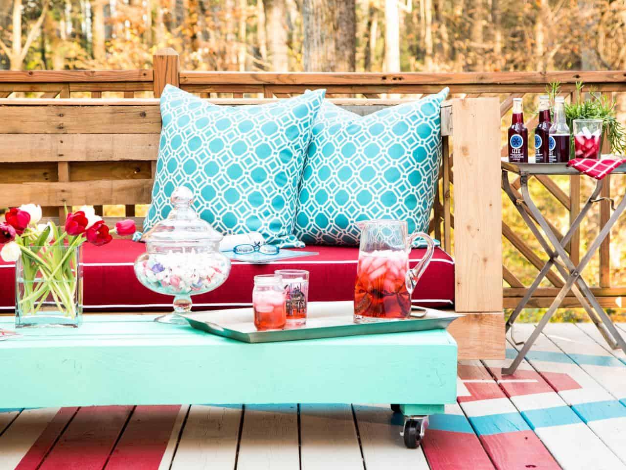 diy colorful pallet patio set