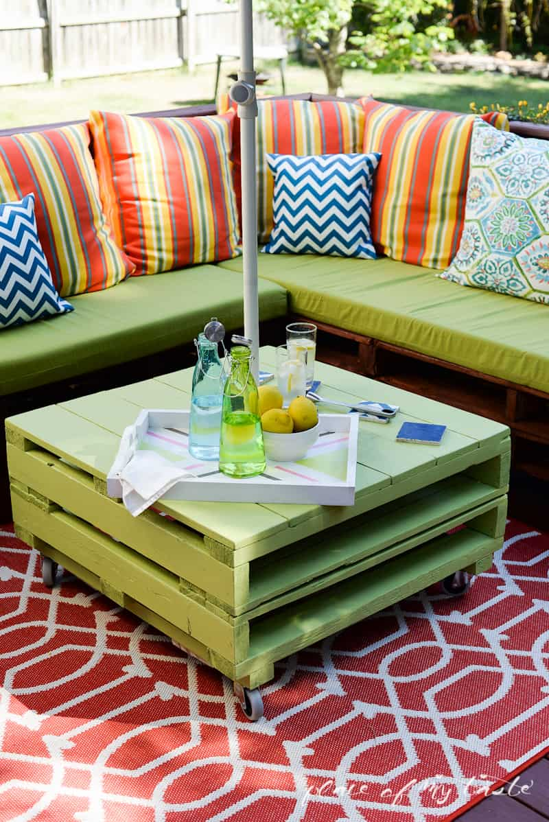 green patio furniture 15 Pieces of Pallet Patio Furniture To Spark Your Outside Spring Decorating