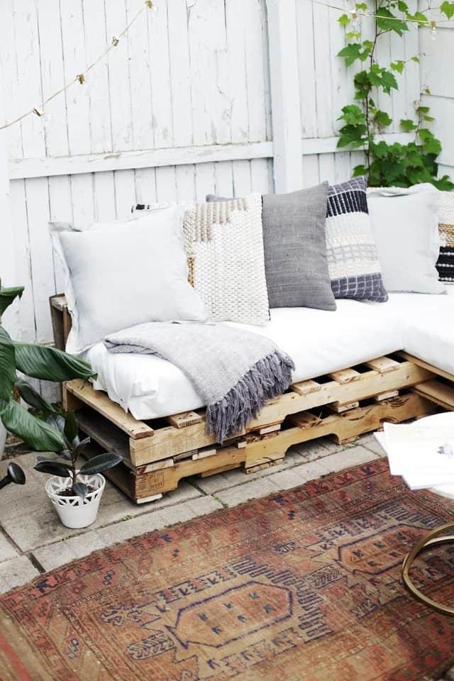 outdoor pallet patio sofa