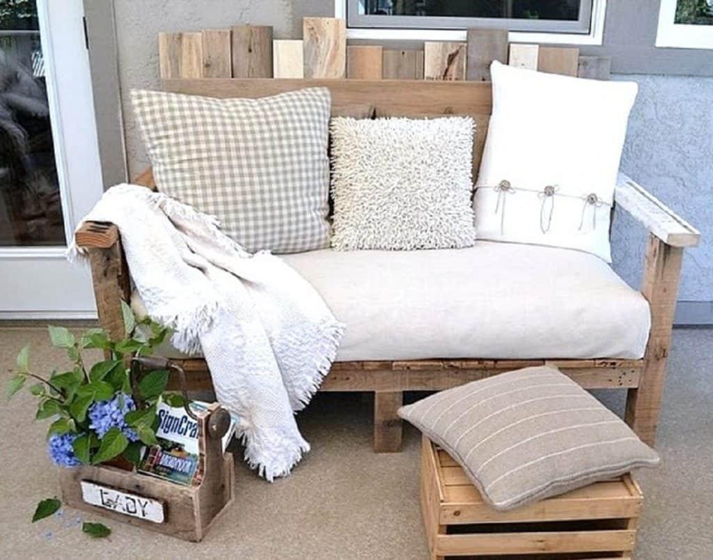 pallet furniture cottage style