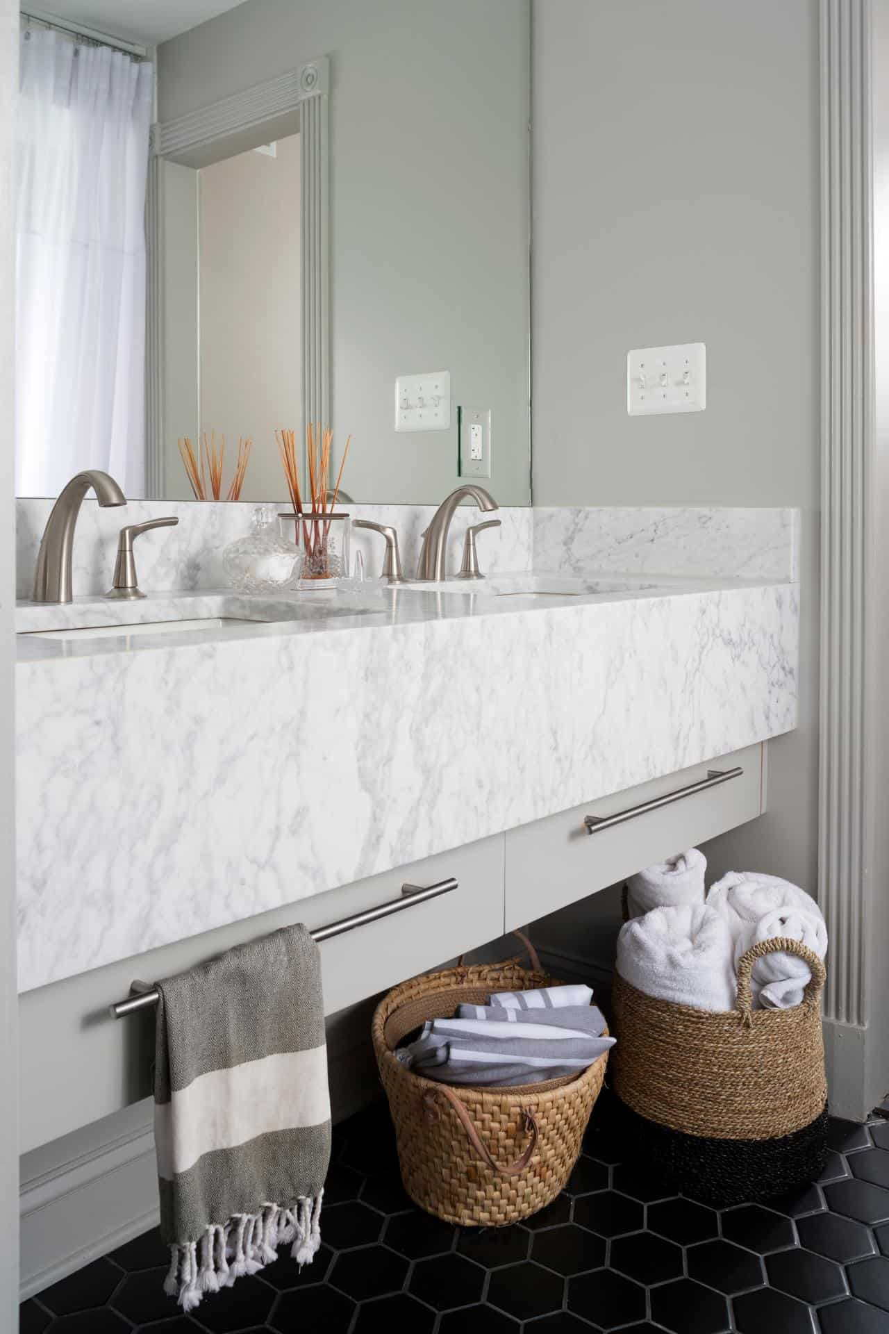 small white marble bathroom small bathroom decor options 20584