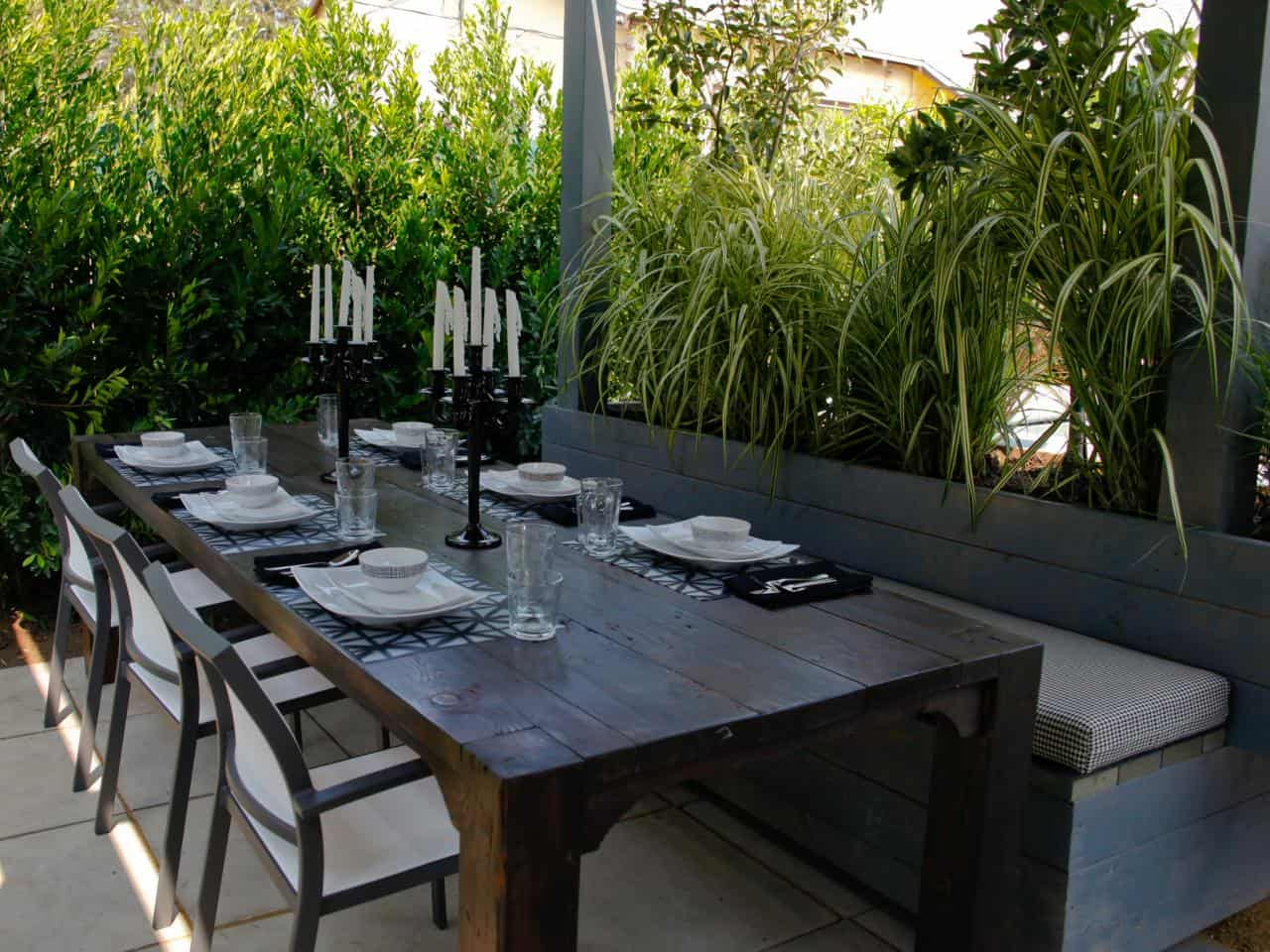 Chic And Charming Outdoor Eating Space Ideas