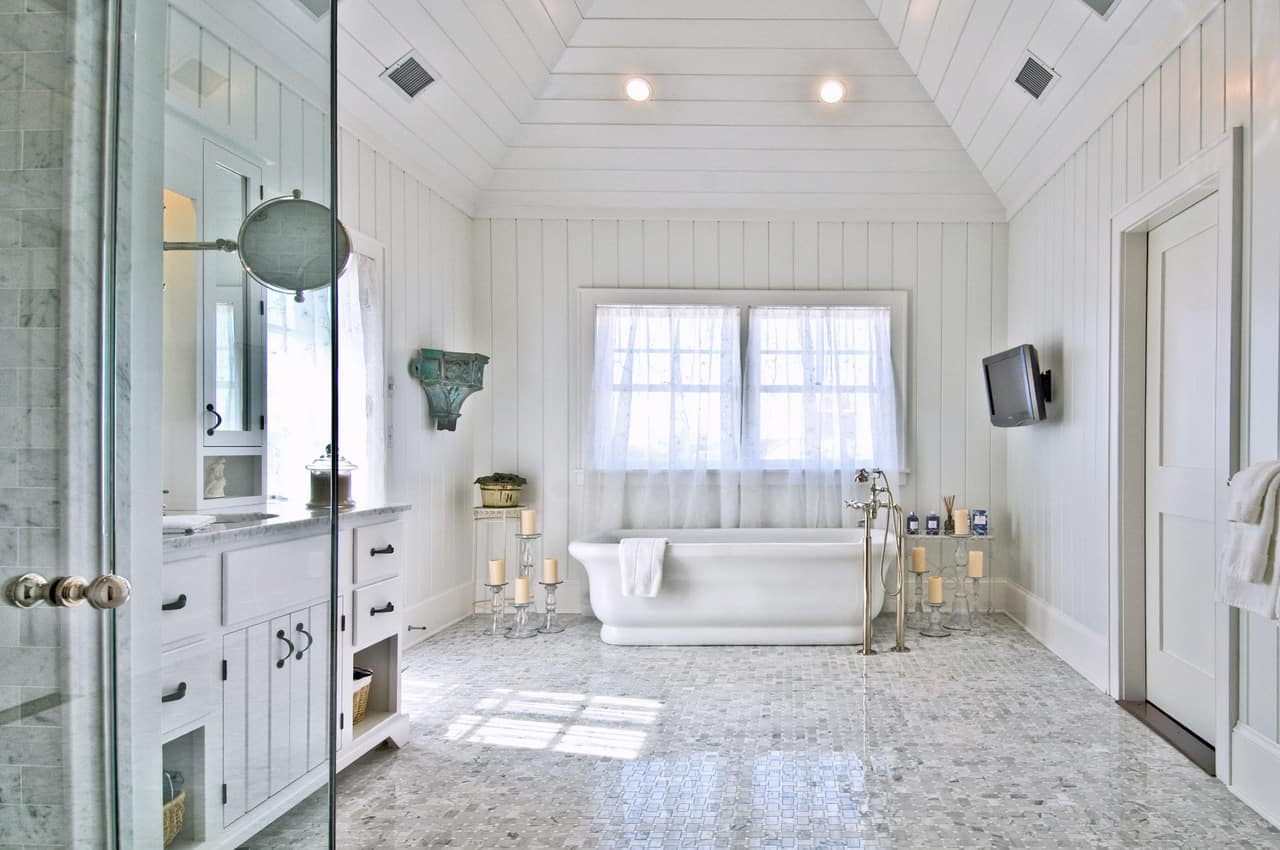 beach house white bathroom