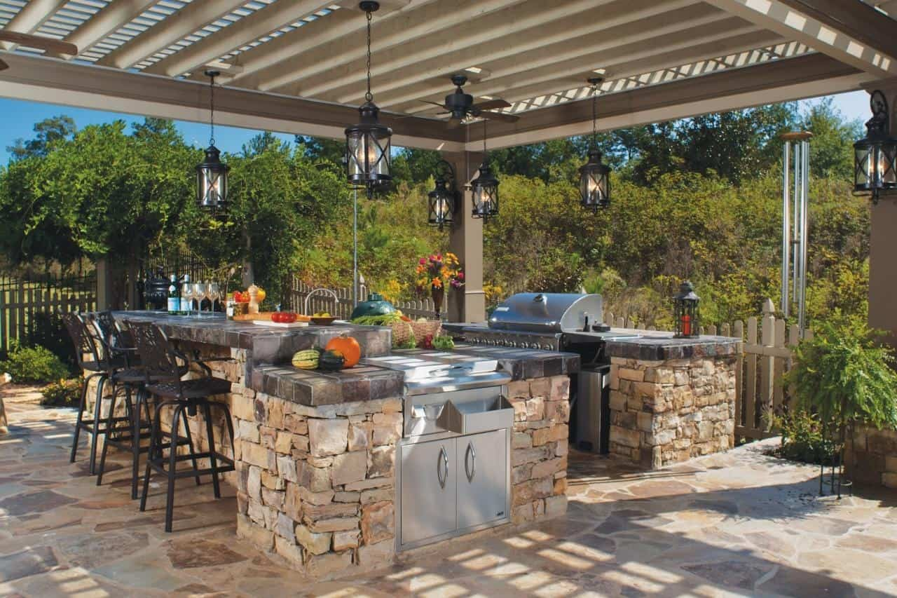 An outdoor kitchen is always a good idea especially when you enjoy entertaining guests.