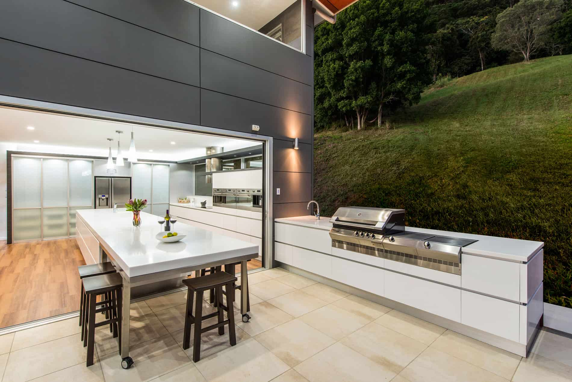 outdoor kitchen ideas that will make you drool. Black Bedroom Furniture Sets. Home Design Ideas