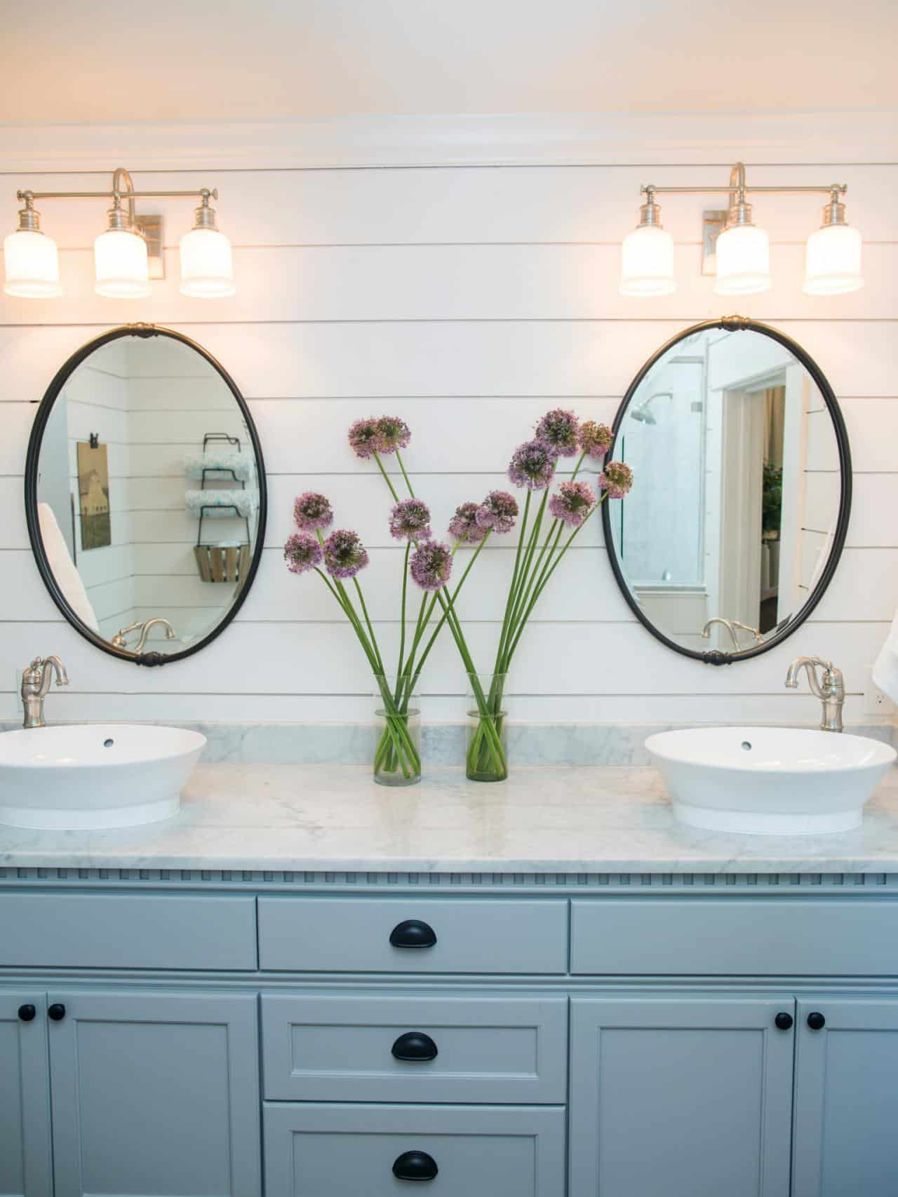 lighting above bathroom sinks