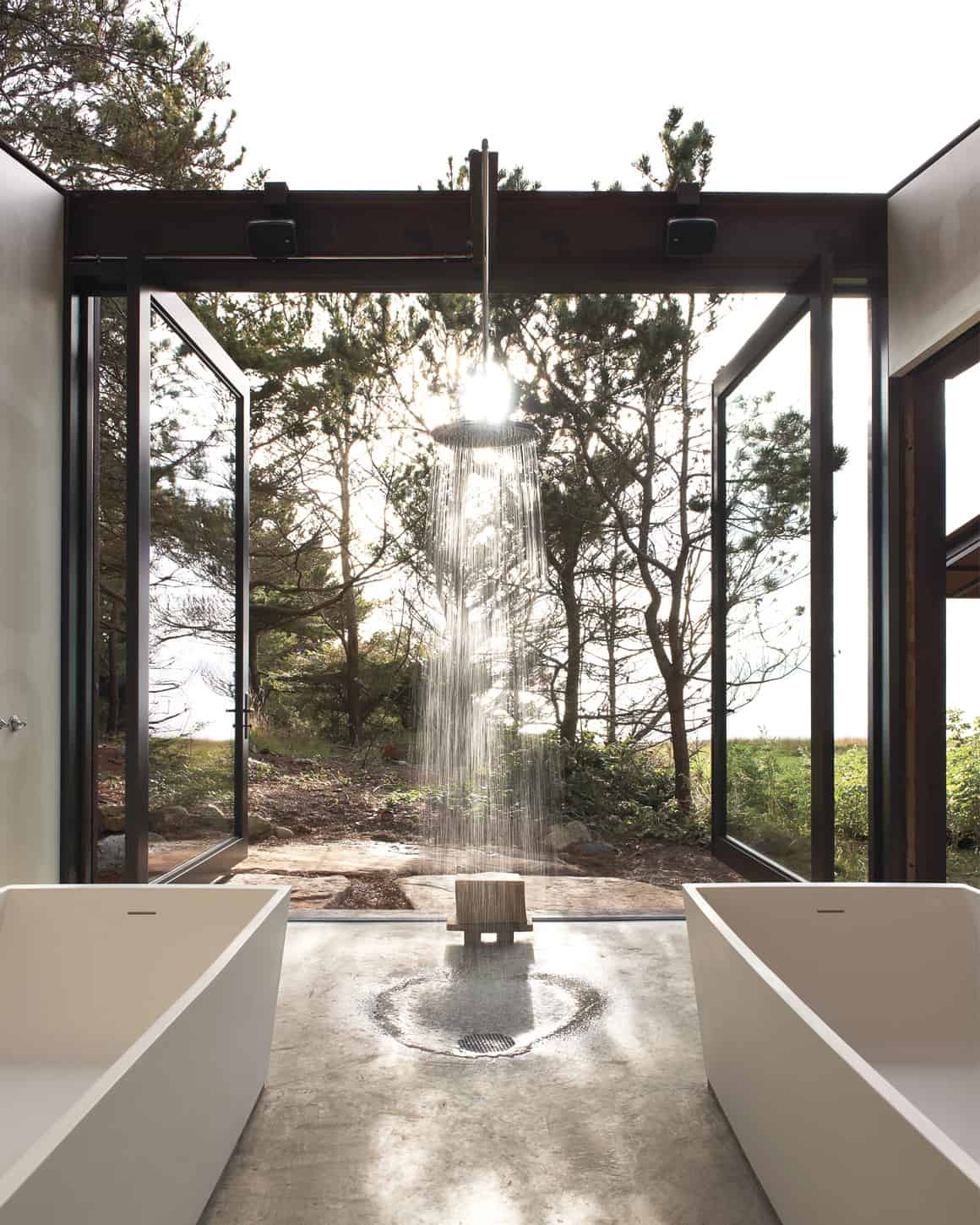 airy outdoor shower