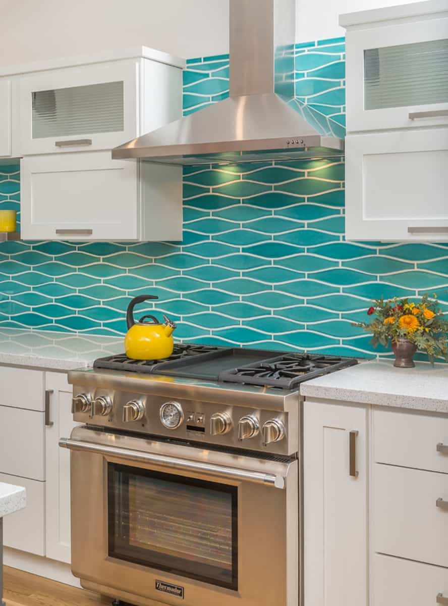 daring backsplash